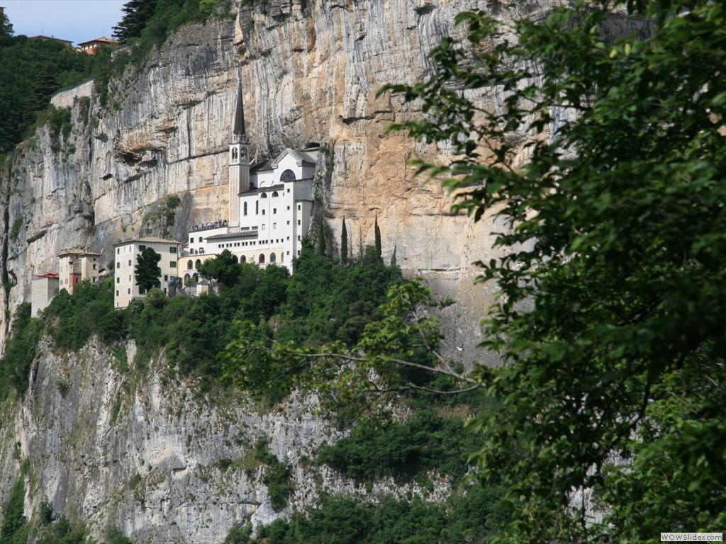 Santuario madonna della corona generated by for Santuario madonna della corona